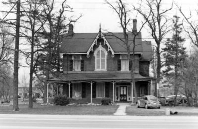 552 Dundas Street East, April 1974