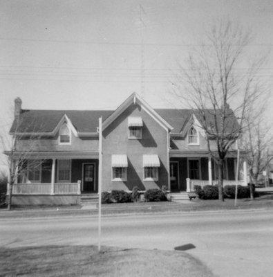 500-502 Dundas Street West, April 6, 1969
