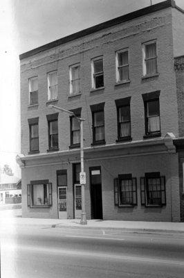 209 Brock Street South