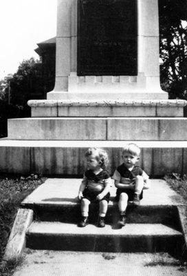 Whitby Cenotaph, c. 1950