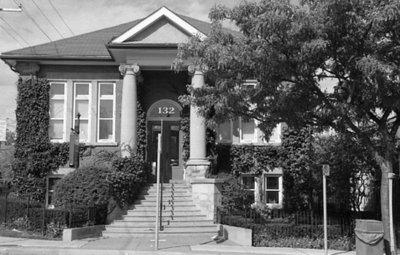 132 Dundas Street West, October 2005