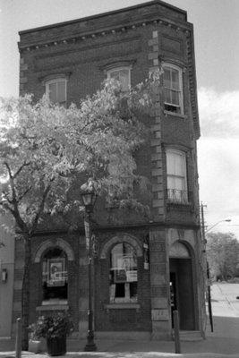 122 Brock Street North, October 2005