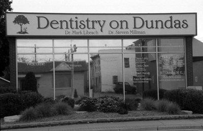 107 Dundas Street East, October 2005
