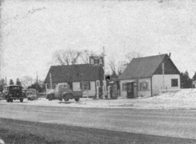 The Wagon Wheel Restaurant and Gas Station, c.1950