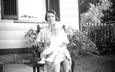 Edith and Lola Jardine, August 1936