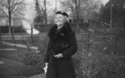 Mrs. Coe, November 1936