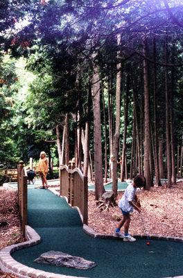Woodlands Mini-Putt Golf at Cullen Gardens