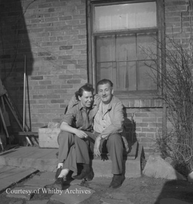 MacLeod Family, April 1945