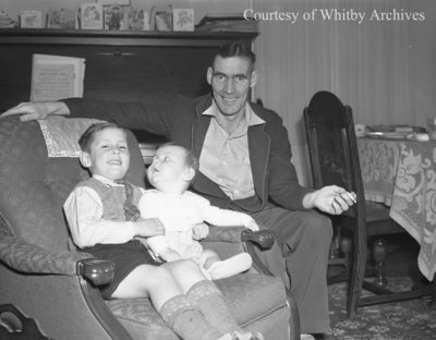 Robert Wagstaff and Family, December 7, 1947
