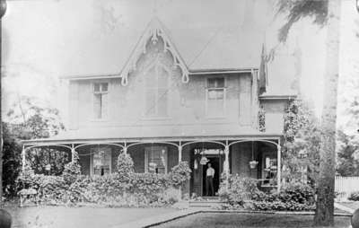 Residence of W.D. Dykes, c.1920