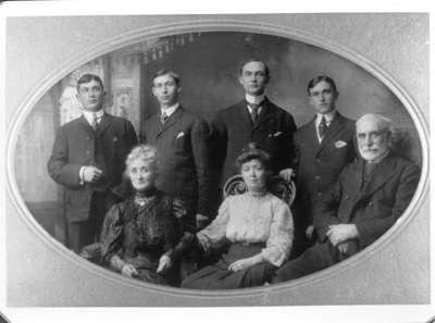 Family of John Dundas Howden