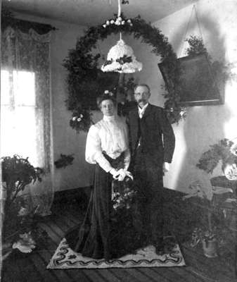 Marriage of Andrew Young and Alma Lynde, 1904