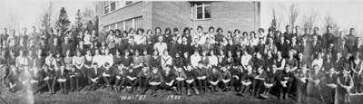 Whitby Collegiate Institute Student Photograph, 1922