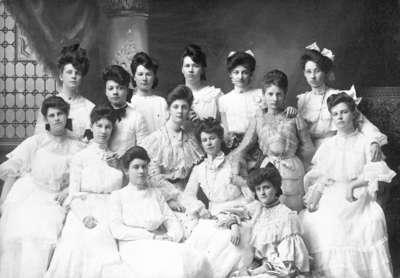 Girls at Whitby Collegiate Institute, c.1903