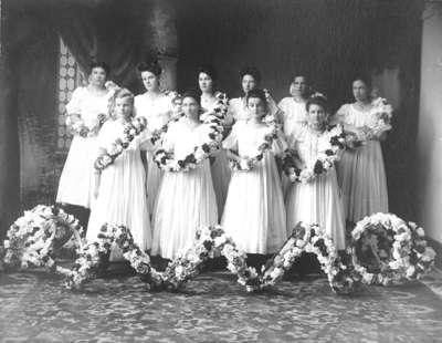 Girls from Whitby Collegiate Institute, c.1906-1907