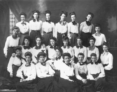 Girls at Whitby Collegiate Institute, c.1904