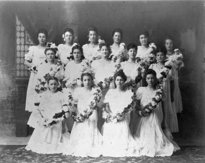 Girls from Whitby Collegiate Institute, c.1906