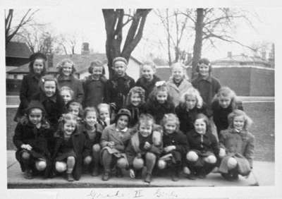 King Street School Grade Two Girls, 1944