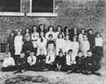 Almonds Town Line School Class, 1930s