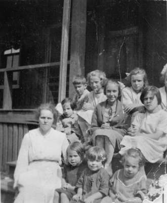 Children at Methodist Fresh Air Home, c.1918