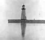 Lighthouse at Whitby Harbour, 1915