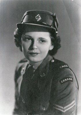 Evelyn Davis, c.1944-1946
