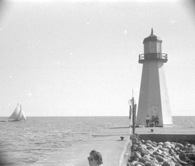 Whitby Harbour Lighthouse, 1939