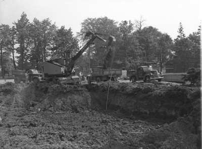 Lorain Power Shovel in Action (Image 2 of 2), May 27, 1948