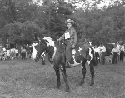 Bobby Clarke riding a horse (Image 2 of 2)