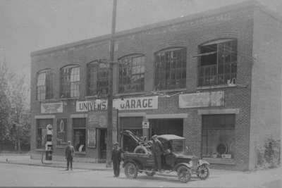Universal Garage, c.1924