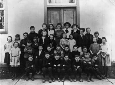 Myrtle School Class