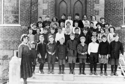 Brooklin Public School Class, Room 1, 1923