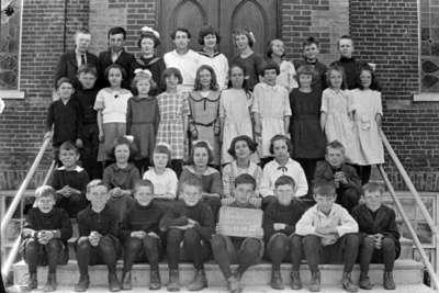 Brooklin School Class, Room 2, 1923