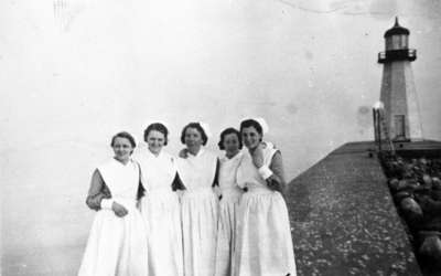 Nurses West Pier at Harbour, 1938