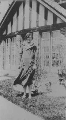Pearl Sharpe at the Ontario Hospital, c.1927