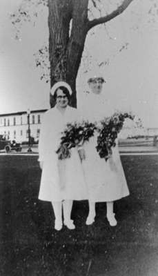 Pearl Sharpe and Gertrude Bryan at the Ontario Hospital, June 22, 1927