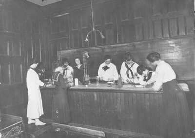 Ontario Ladies' College Chemistry Class, c.1920
