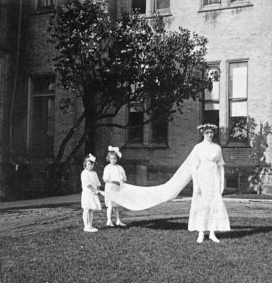 May Queen and Train Bearers at Ontario Ladies' College, May 1912