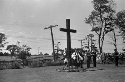 Dedication of cross at Legion Plot in Groveside Cemetery, 1936