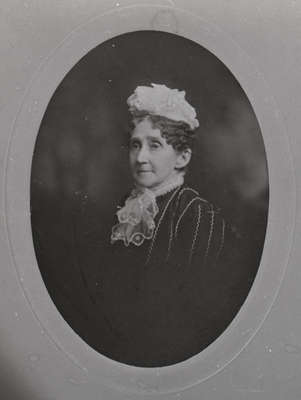 Mrs. Nelson Gilbert Reynolds (Frances Eliza Armstrong), c.1905