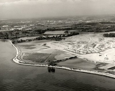 Lake Ontario - Shoreline, September 28, 1984 - Ajax - Aerial Photo