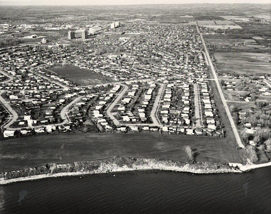Lake Ontario - Pickering Beach Road, c. 1984 - Ajax- Aerial Photograph