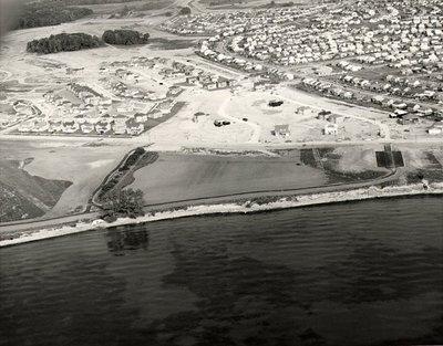 Lake Ontario - Shoreline, September 28, 1984 - Ajax - Aerial Photo