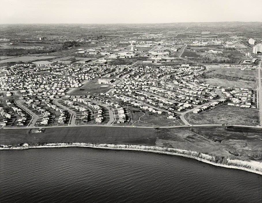 Lake Ontario - Harwood Avenue, c. 1984 - Ajax- Aerial Photograph