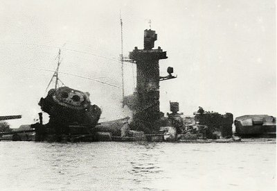 HMS Ajax, 1935 - German battleship - Admiral von Graf Spee - Battle of River Plate