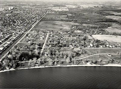 Lake Ontario - Pickering Beach Road - Oxford Towers, c. 1984 - Ajax - Aerial Photo