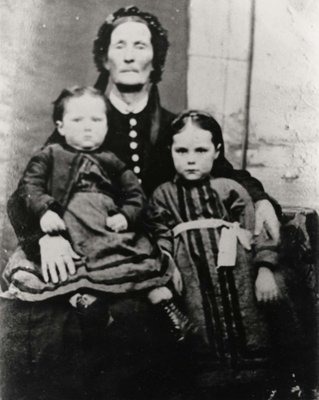 Ida Louise and Annie Maggie Greenlaw with Grandmother Ann Peak