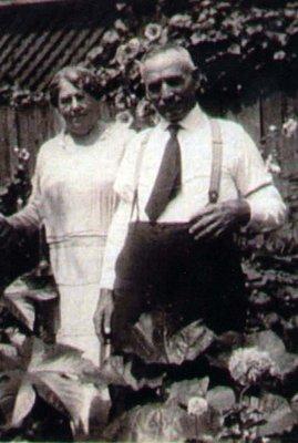 Arthur Boyes and wife Minnie