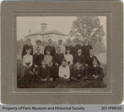 School Photo of 1904