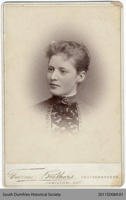 Photo of Bella Mills